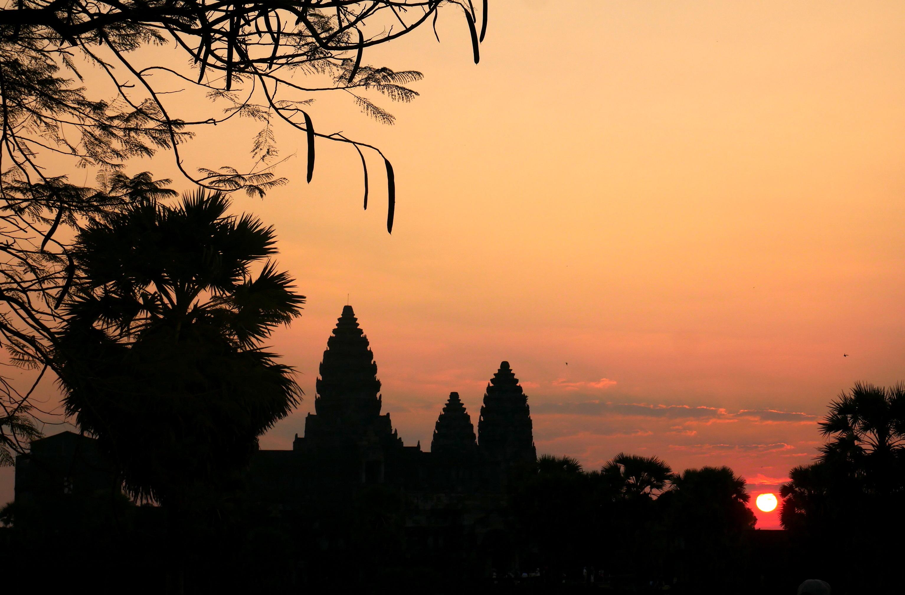 Le temple d'Angkor Wat sur un lever de soleil.
